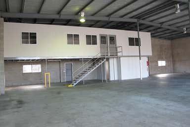 2/11-13 Bollard Street Portsmith QLD 4870 - Image 3