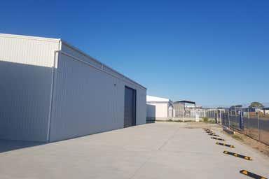 Unit 2 , 35 Farrow Circuit Seaford SA 5169 - Image 4