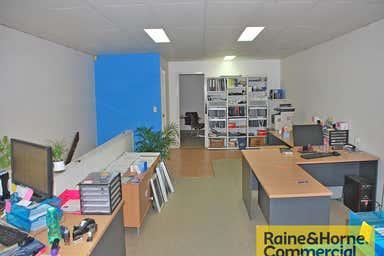 11/29 Links Avenue Eagle Farm QLD 4009 - Image 3