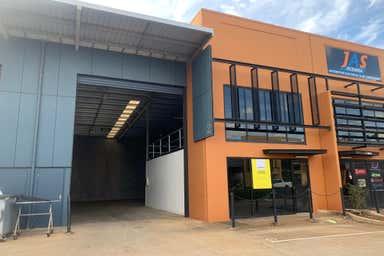 1-5 Gardner Court - Unit 2 Wilsonton QLD 4350 - Image 3