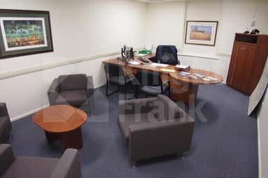178 Quay Street Rockhampton City QLD 4700 - Image 3