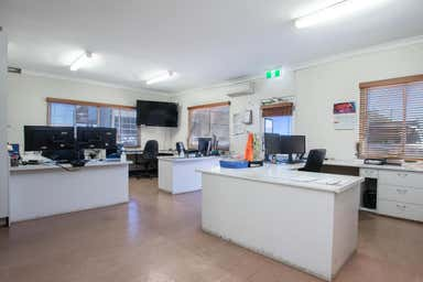 Hervey Bay - Exceptional Industrial Complex, Hervey Bay 268-270 Urraween Road Urraween QLD 4655 - Image 4