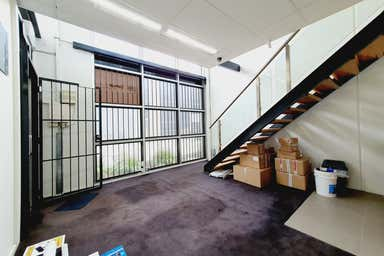 2/9 Woolboard Road Port Melbourne VIC 3207 - Image 3