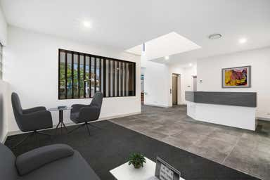 6 Marshall Lane Kenmore QLD 4069 - Image 3