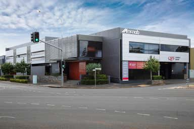 2a/12 Neil Street Toowoomba City QLD 4350 - Image 3