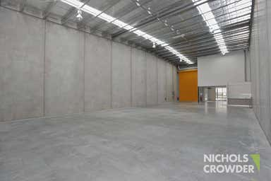 2/1 Capital Place Carrum Downs VIC 3201 - Image 3
