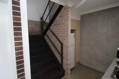 Upstairs 3/46 Montague Street North Wollongong NSW 2500 - Image 4