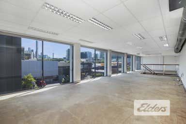 32 Doggett Street Newstead QLD 4006 - Image 3