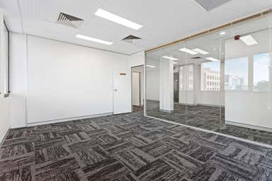 Third Floor, 7/52 Davenport Street Southport QLD 4215 - Image 4