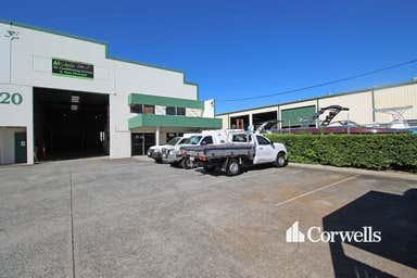 2/20 Gibbs Street Arundel QLD 4214 - Image 3