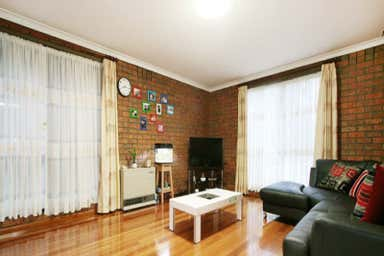 2 Brentwood Drive Wantirna VIC 3152 - Image 4