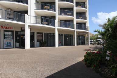 Shop 3 Mantra Resort Urangan QLD 4655 - Image 3