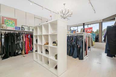 Shop, 15 Blackburne Square Berwick VIC 3806 - Image 3