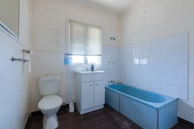 3224 Old Cleveland Road Capalaba QLD 4157 - Image 3