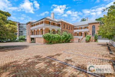 69 Shafston Avenue Kangaroo Point QLD 4169 - Image 4