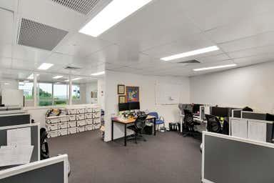 1/61 Holdsworth Street Coorparoo QLD 4151 - Image 4
