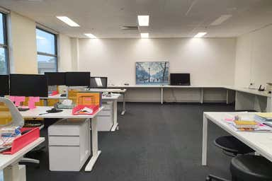 305/354 EASTERN VALLEY WAY Chatswood NSW 2067 - Image 3
