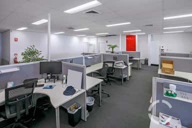 2 Mayneview Street Milton QLD 4064 - Image 3