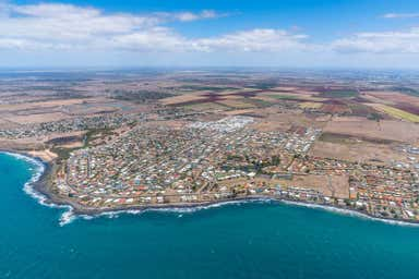 60 Rifle Range Road, Bargara, 60 Rifle Range Rd Bargara QLD 4670 - Image 3
