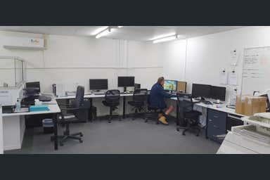 Shop 4  120 Brisbane Road Mooloolaba QLD 4557 - Image 3