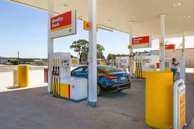 Viva Energy / Shell, 103 Alexanders Road Morwell VIC 3840 - Image 3
