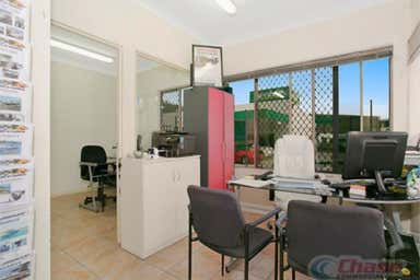 2 Junction Road Burleigh Heads QLD 4220 - Image 4