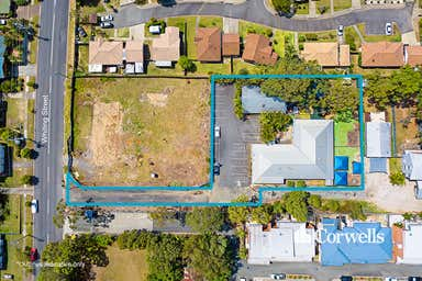 168A Whiting Street Labrador QLD 4215 - Image 2