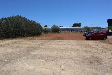 22 Thurso Road Myaree WA 6154 - Image 3