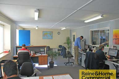 5/1089 Kingsford Smith Drive Eagle Farm QLD 4009 - Image 3