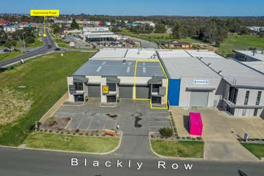 3/3 Blackly Row Cockburn Central WA 6164 - Image 2