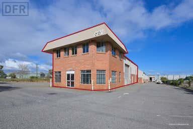 35 Cooper Road Cockburn Central WA 6164 - Image 3
