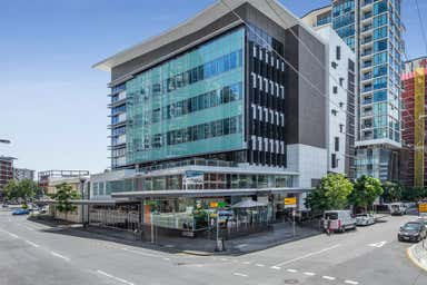 2/12 Commercial Road Newstead QLD 4006 - Image 3