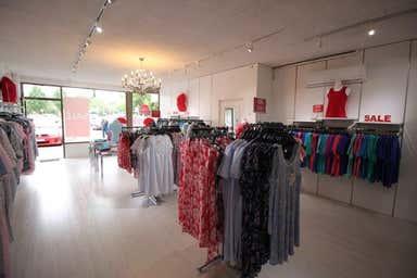 Shop, 15 Blackburne Square Berwick VIC 3806 - Image 4