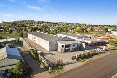 15 Freighter Avenue Wilsonton QLD 4350 - Image 2