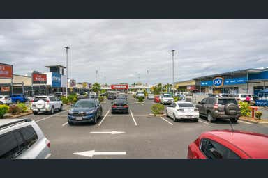 Red Hill Homemaker Centre, 414 Yaamba Road Norman Gardens QLD 4701 - Image 4