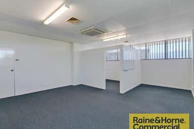 Suite 5/32 Hayward Street Stafford QLD 4053 - Image 3
