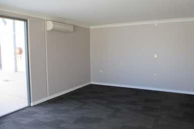 9 Bramp Close Portsmith QLD 4870 - Image 4