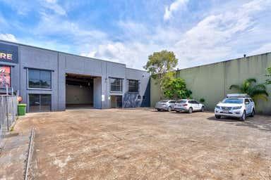 Unit 2, 29-31 Ereton Drive Arundel QLD 4214 - Image 3