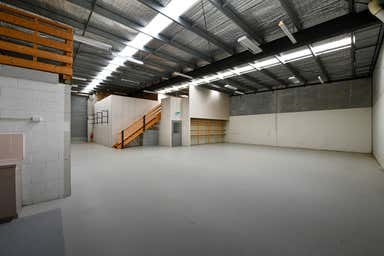 31/23-25 Bunney Road Oakleigh VIC 3166 - Image 4