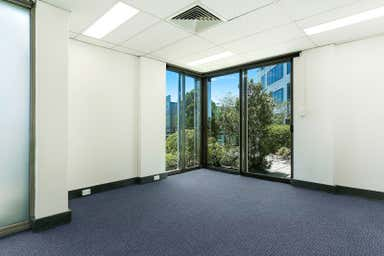 Suite 5 2 New McLean Street Edgecliff NSW 2027 - Image 4