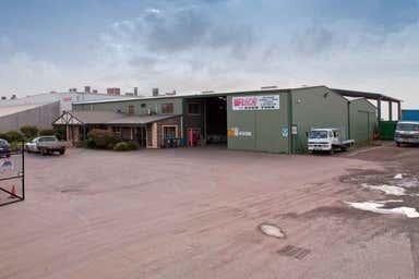 374 Cormack Road Wingfield SA 5013 - Image 3