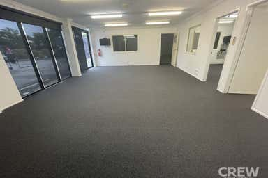 1/12 Telford Place Arundel QLD 4214 - Image 4