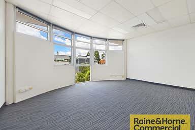 5/209 Days Road Grange QLD 4051 - Image 3