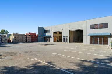 15A & 15B Pavers Circle Malaga WA 6090 - Image 4