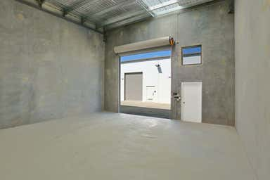 21 Middle Road Hillcrest QLD 4118 - Image 3