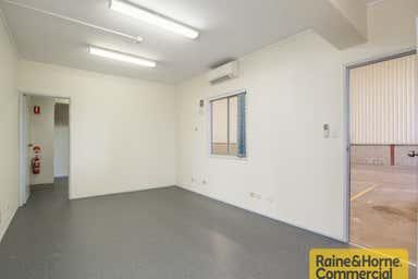 1/124 Beatty Road Archerfield QLD 4108 - Image 4