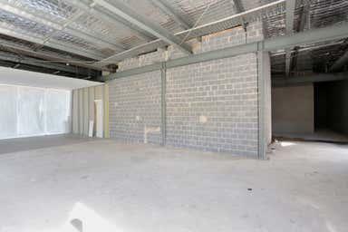 United Prairiewood Drive Thru, 522 Smithfield Rd Prairiewood NSW 2176 - Image 3