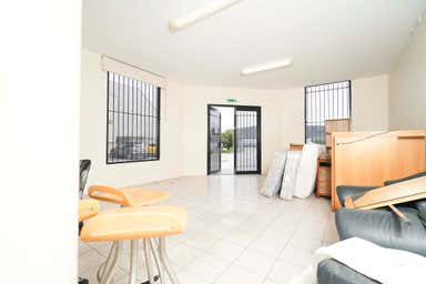 Unit 1, 144 Beringarra Avenue Malaga WA 6090 - Image 4
