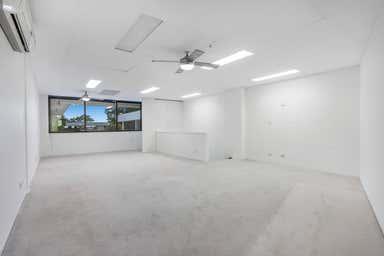 4/27 Birubi Street Coorparoo QLD 4151 - Image 4