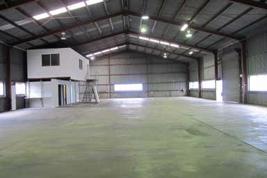 4/134 Boniface Street Archerfield QLD 4108 - Image 4